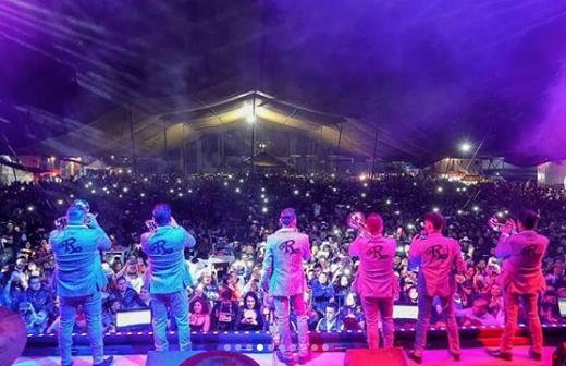 Banda El Recodo con Sebastian Yatra.