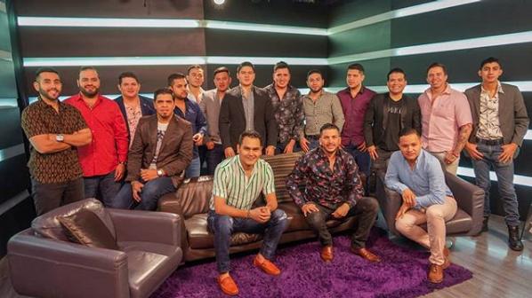 """Los Recoditos despiden al """"El Flaco"""" y dan bienvenida a """"El Cigarrito""""."""